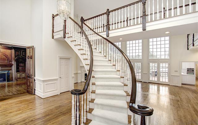 1712 Rutledge Ave - Staircase
